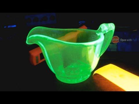 Random Bits 0053: UV Blacklight Fun
