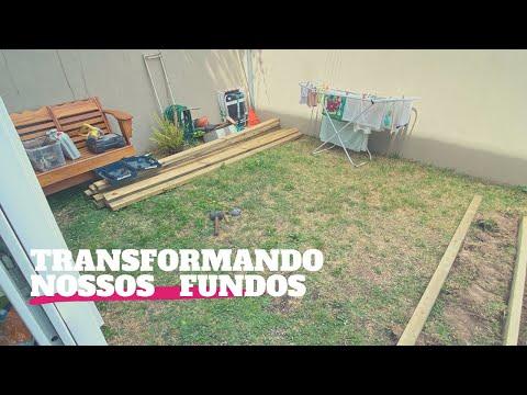 COLOCANDO DECK DE MADEIRA NOS FUNDOS DE CASA | Tali Ramos