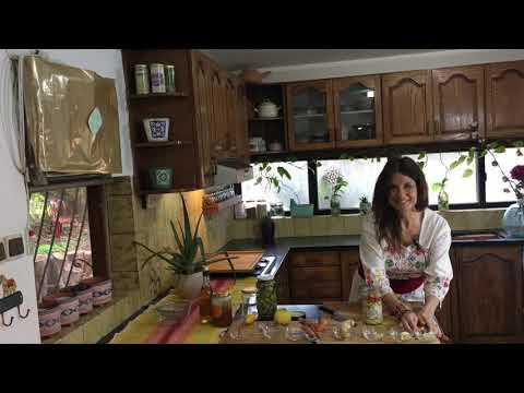 DIY natural flu medicine -Fire Cider Immune Support in under 5 minutes.