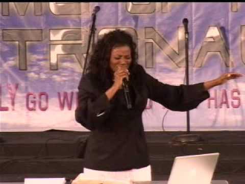 Prophetess Juanita Bynum Sings Draw Me Youtube Music Lyrics