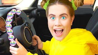We are in the Car Song - Canción Infantil | Canciones Infantiles con LaLa