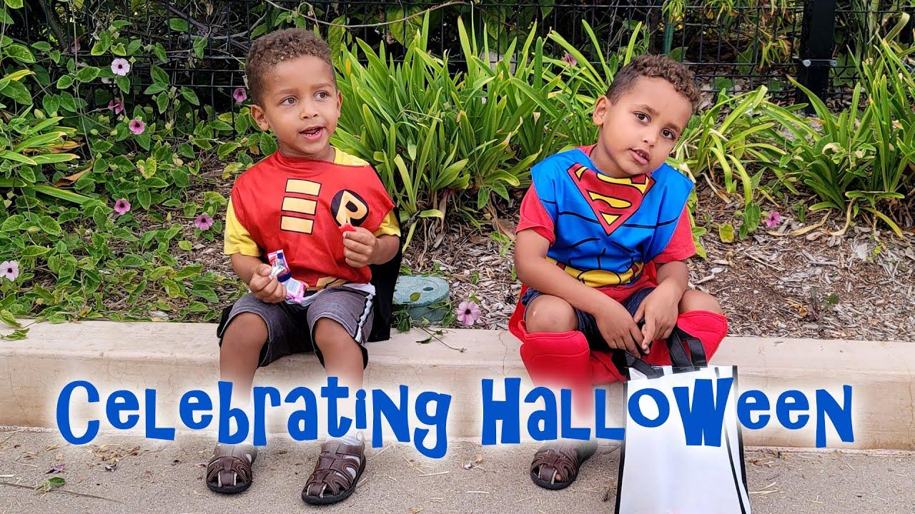 Celebrating Halloween At The Sea World San Diego | VLOG