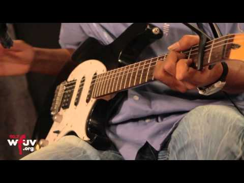 "Bombino - ""Imuhar"" (Live at WFUV)"