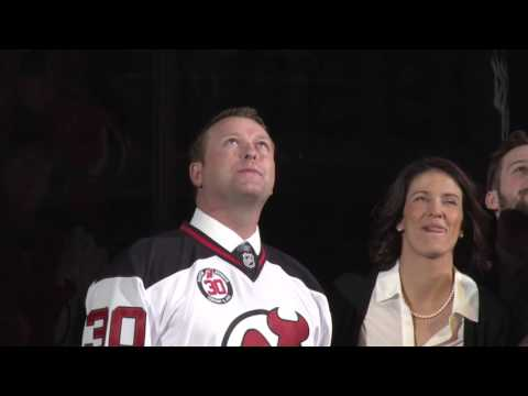 Martin Brodeur banner raised during ceremony before Devils game