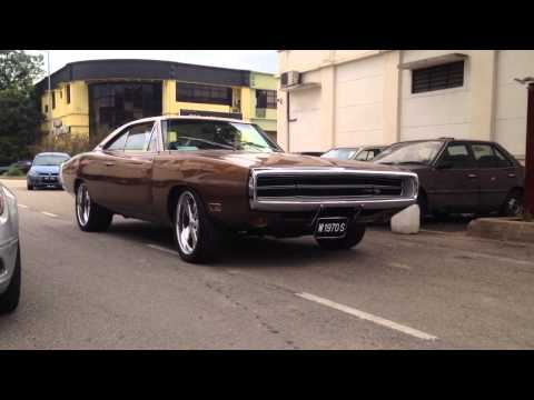 Dodge Charger RT 70