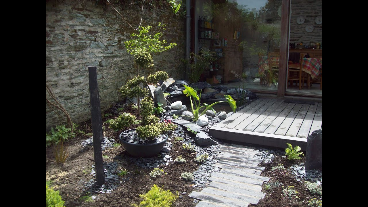 Jardin zen terrasse bois bassin plantation youtube for Decoration jardin terrasse