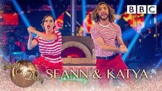 Seann Walsh and Katya Jones Charleston to 'Bills' by Lunchmoney Lewis - BBC Strictly 2018