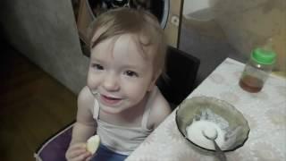 Смех ребёнка. Малышка смеётся прикольно! baby laughs super.