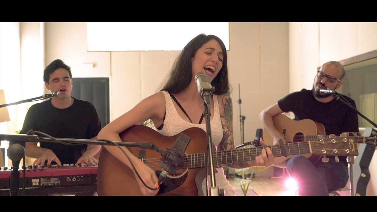 ME VA A DOLER - Bely Basarte | The acoustic sessions