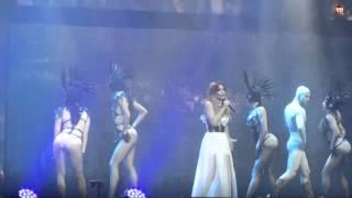 Ани Лорак расплакалась на сцене в Минске