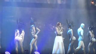 Download Ани Лорак расплакалась на сцене в Минске Mp3 and Videos