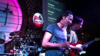 """""""Em đẹp nhất đêm nay"""" - Wonderful tonight - Chu Minh Ky ( Acoustic bar )"""