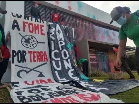 """URGENTE: """"Vagabundos"""" do MST depredam prédio da APROSOJA em Brasília (veja o vídeo)"""