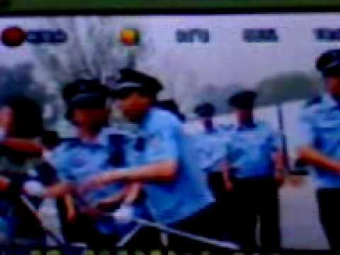 HK Reporter was hurted by Beijing Police