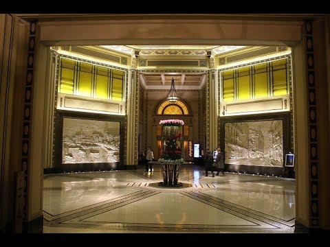 Shanghai's Peace Hotel / 和平饭店 (The Bund / 外滩 / 外灘)