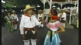 """""""EL CACHITO"""" Y """"EL RASCAPETATE"""" - Ballet Folklorico de la UNACH"""