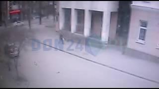 Видео взрыва возле школы №5 в Ростове
