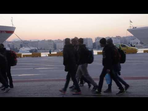 ΑΘΗΝΑ: ΑΦΙΞΗ ΣΤΟ ΛΙΜΑΝΙ ΠΕΙΡΑΙΑ / ATHENS: ARRIVAL AT PIRAEUS PORT (2015-16) #11