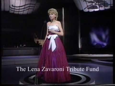 Lena Zavaroni sings 'You Needed Me' 1982