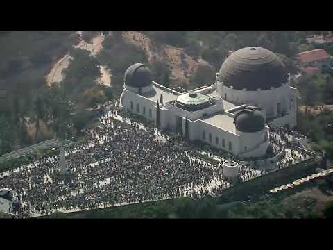 Thousands pack Griffith Observatory during 2017 Solar Eclipse