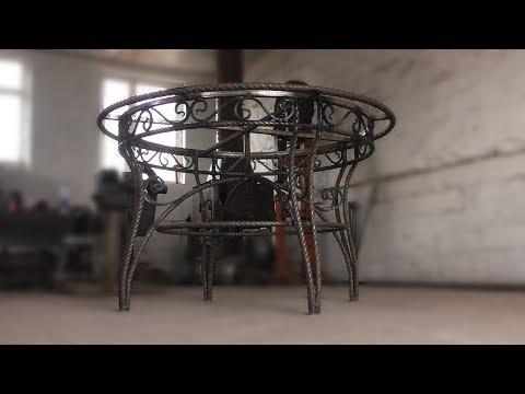 Круглый стол из металла