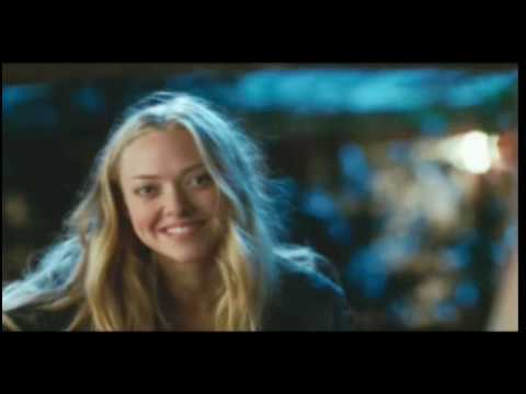 Amanda Seyfried and director Lasse Hallstrom talk about their new movie, Dear John...