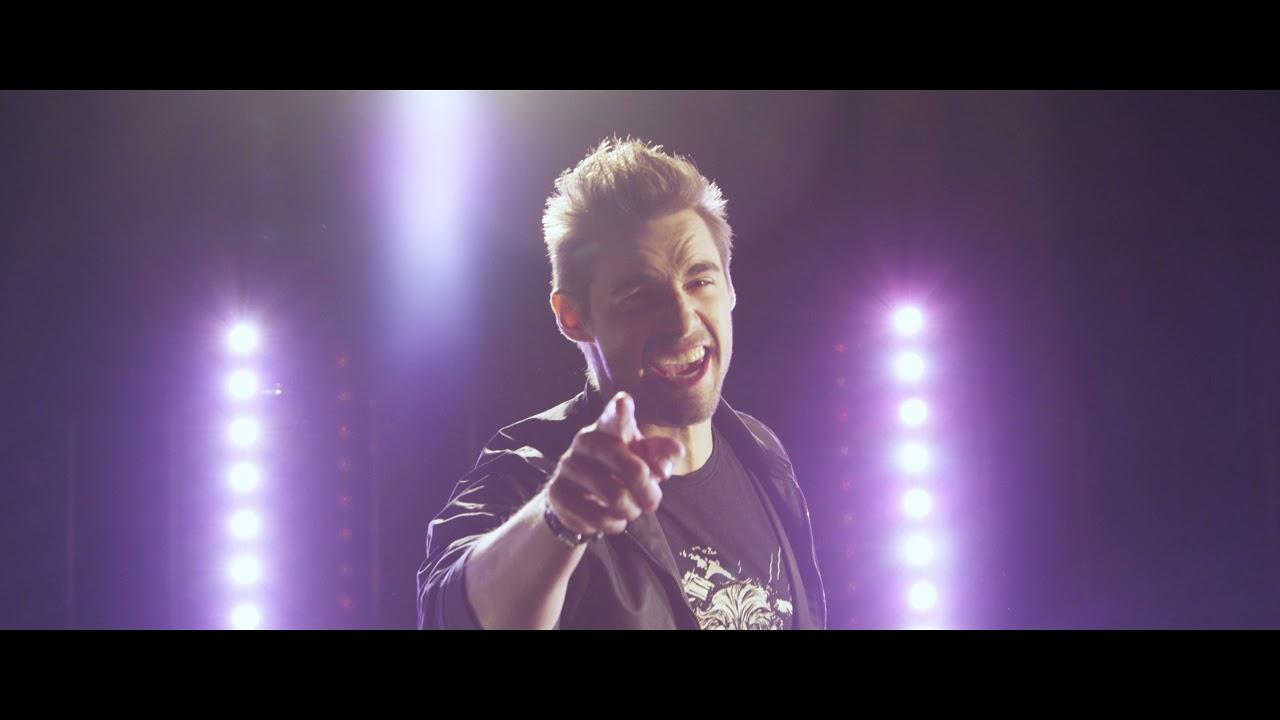 Motorband - Pár důvodů (Official Music Video)