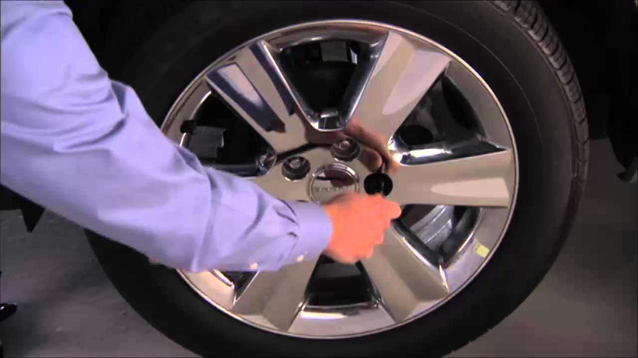 2015 Dodge Journey Jacking And Tire Changing Youtube