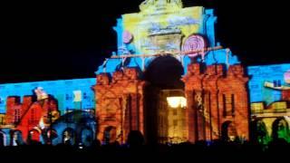 リスボンのコメルシオ広場のクリスマスビデオマッピングショー