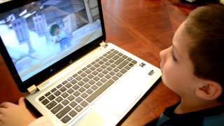 Watching his LEGO® Star Wars™ Playlist! Thumbnail
