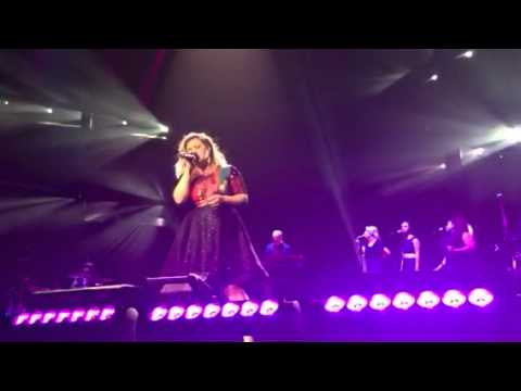 Kelly Clarkson -Just Missed the Train- St. Paul MN 2015