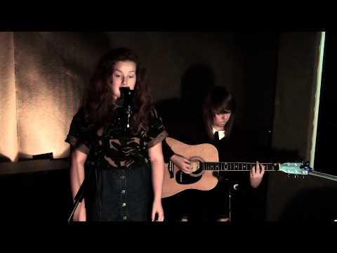Emma Matthews  Mardy Bum  Red Dreams Live & Loud Sessions