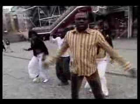 video Cameroun - ( Sergio Polo-la chicotte de papa ) )