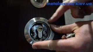 видео Установка врезной броненакладки