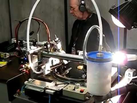 Vinylrecorder T-560 demonstration at MIDEM 2010 - YouTube