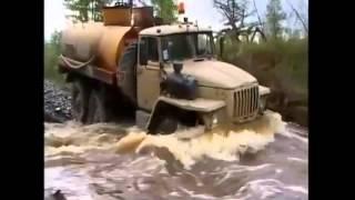 Большие машины,большие проблемы. Русские дороги.(Это видео создано с помощью видеоредактора YouTube (http://www.youtube.com/editor), 2014-01-04T11:51:09.000Z)