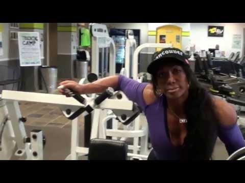 Abdominal Machine Pro Gym Training by Arminda Del Riviero