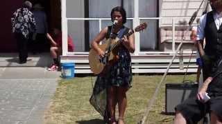 Pou Wharehinga singing Rob Ruha