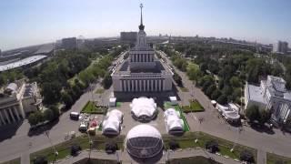 Вид сверху. ВДНХ. Москва. Полёт квадрокоптера DJI Phantom 2.