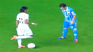 Neymar humiliating everyone for Santos