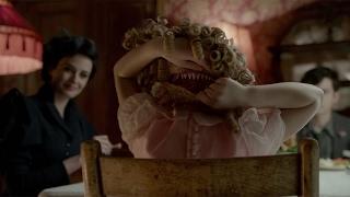 ティム・バートンが監督 映画「ミス・ペレグリンと奇妙なこどもたち」予告編 thumbnail