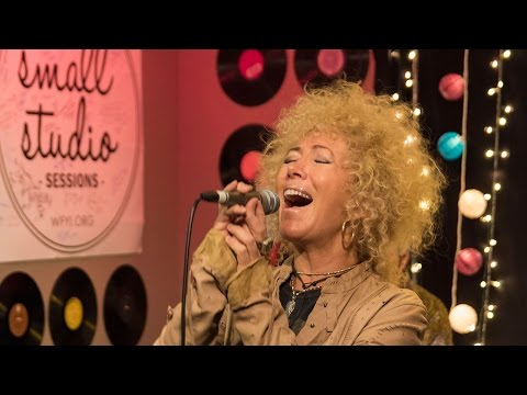 Jennie DeVoe - Full Performance (Small Studio Sessions)