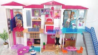 Video New Barbie Hello DreamHouse Assembly & House Tour دمية باربي دريم هاوس Novo Barbie Casa dos Sonhos download MP3, 3GP, MP4, WEBM, AVI, FLV Januari 2018