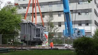 Spektakulärer Einsatz eines Schwerlastkrans bei Trafo-Tausch in Wels-Innenstadt