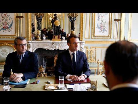 Macron cede e cancela definitivamente subida das taxas sobre combustíveis