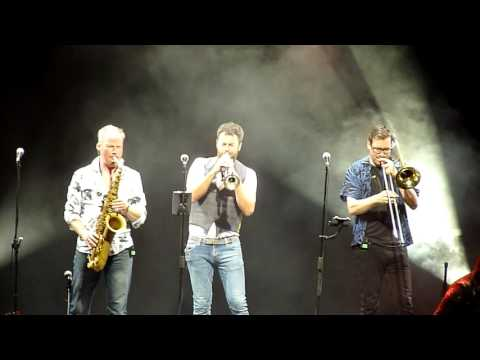 Level 42 Live Argentina - Something.../ Lessons.../ Build.../ Hot...(10 de 12 videos)