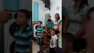 Meu filho Andrey , apesar de ser autista ele adora ao Senhor Jesus