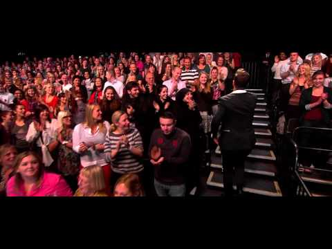 Robin Thicke - Give It 2U (Alan Carr Chatty Man 2013 11 08)