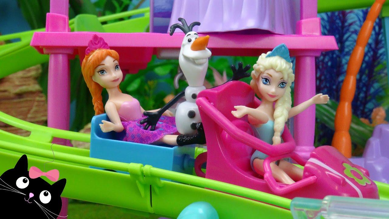 Juguetes Frozen - Elsa y Anna van a la Roller Coaster Resort de Polly