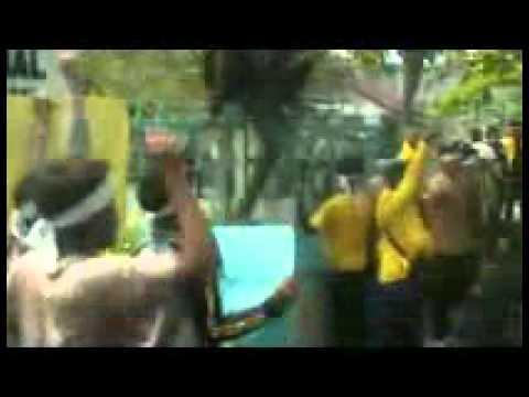 Liputan gsf. aksi mahasiswa bela korban hgu pt.sir tgl 31-5-2011 part 4.wmv